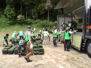 120622_volunteer_03.jpg