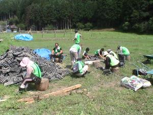 120817_volunteer_02.jpg