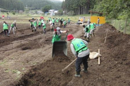 121005_volunteer_03.jpg