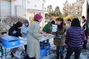 121223_volunteer_02.jpg