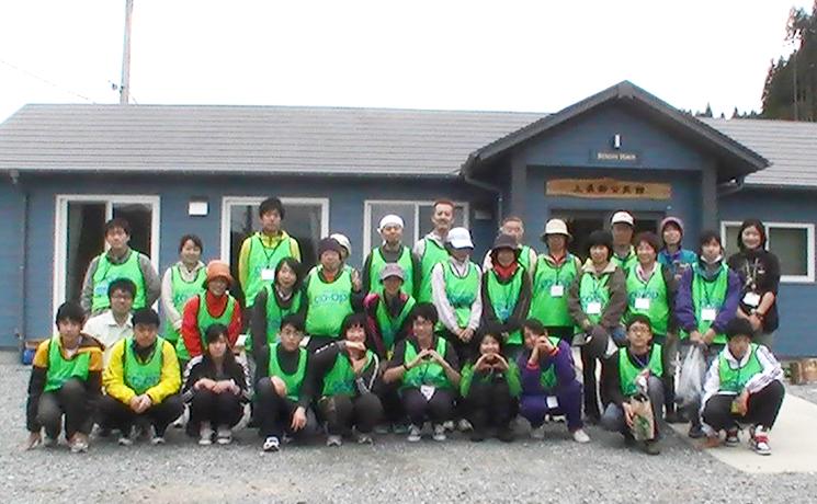 130503_volunteer_01.jpg