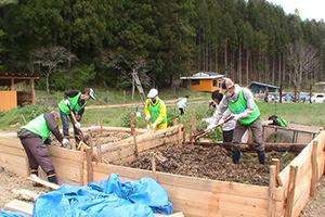 130503_volunteer_03.jpg