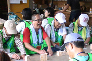 130726_volunteer_05.jpg